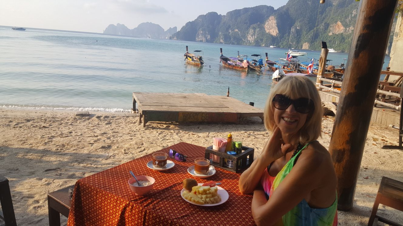 Beachfront Breakfast Phi Phi